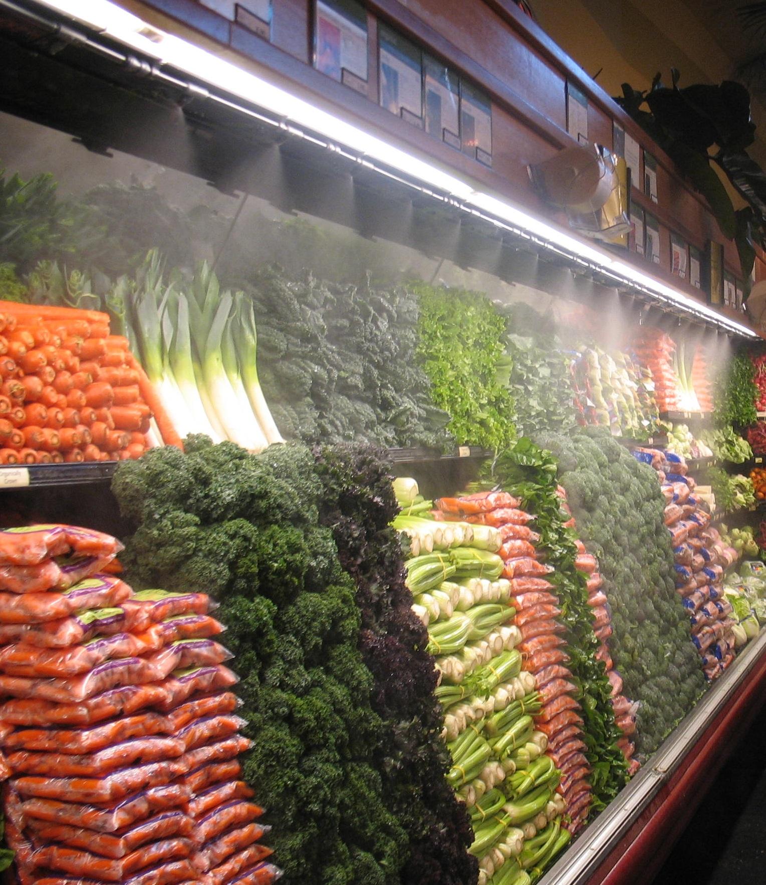 Увлажнение витрин и полок супермаркетов